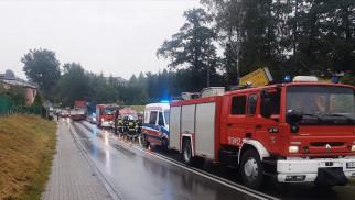 Dachowanie na ulicy Bielskiej w Jawiszowicach- jedna osoba trafiła do szpitala - InfoBrzeszcze.pl