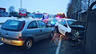 Dwa samochody zderzyły się na DK44 w Oświęcimiu. ZDJĘCIA!