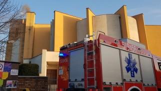 Dym z kościelnego komina zaniepokoił mieszkańców- wezwali Straż Pożarną - InfoBrzeszcze.pl