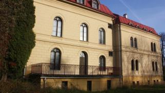 GROJEC. Pałac za ponad 5 mln zł. Ktoś chętny?