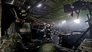 Jawiszowice. Pożar w zakładzie przetwarzającym tworzywa sztuczne -FILM i ZDJĘCIA- InfoBrzeszcze.pl