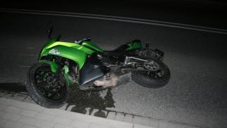 JAWOSZOWICE. Motocyklista uderzył w ogrodzenie