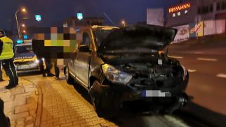 Jedna osoba odniosła obrażenia w wyniku zdarzenia drogowego w Chełmku – ZDJĘCIA!