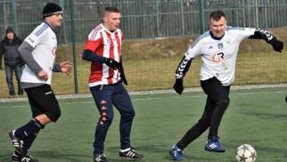 Maciej Iwański i Dariusz Kapciński, czyli byli piłkarze ekstraklasy zagrali w derbach Oświęcimia