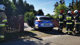 Mężczyzna miał zabić trzy osoby oraz podpalić dom. Interwencja służb ratowniczych w Nowej Wsi – ZDJĘCIA!