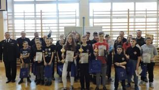 Młodzi strażacy oraz ich opiekunowie, rywalizowali w II Turnieju Tenisa Stołowego. ZDJĘCIA!