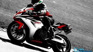 Motocykliści stracili prawa jazdy za prędkość