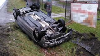 Niebezpieczny poranek na drogach naszego powiatu. ZDJĘCIA!