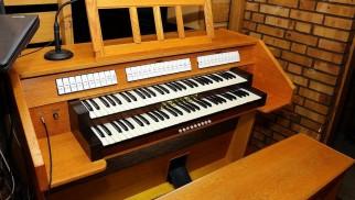 Nowe organy w dolnej kaplicy kościoła Matki Bożej Bolesnej - InfoBrzeszcze.pl