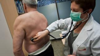 Pacjenci narzekają na problemy z dostaniem się do lekarza. Mają dość teleporad