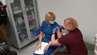 Pierwsza osoba w Małopolsce zaszczepiona przeciwko COVIID-19