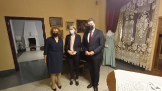 POWIAT. Ambasador Wielkiej Brytanii z wizytą w Oświęcimiu