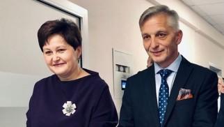 POWIAT. Starosta Marcin Niedziela podziękował dyrektor ZOZ w Oświęcimiu za blisko 20 lat pracy w oświęcimskim szpitalu