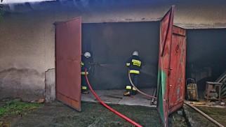 Pożar budynku gospodarczego we Włosienicy – ZDJĘCIA!