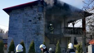Pożar budynku mieszkalnego w Piotrowicach – FILM, ZDJĘCIA!