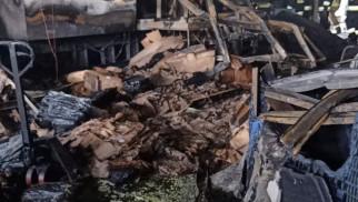 Pożar hali warsztatowej w Jawiszowicach – FOTO