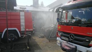 Pożar w warsztacie samochodowym w Przeciszowie. ZDJĘCIA, FILM!