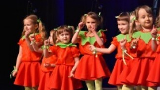 Przedszkolaczki z Nowej Wsi wystąpiły dla Babć i Dziadków