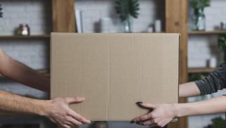 Przesyłki za granicę – czym wysłać?