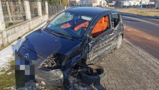 Ślisko na drogach. W Osieku doszło do zderzenia dwóch pojazdów – ZDJĘCIA!