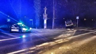 Spowodował kolizję drogową- badanie alkomatem wykazało 2,5 promila -FOTO- InfoBrzeszcze.pl