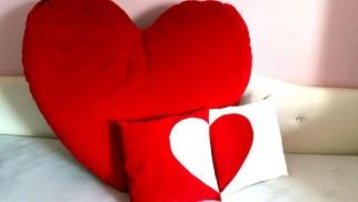 Uszyj poduszkę-serce i podaruj od serca