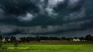 UWAGA ! Ostrzeżenie przed silnymi burzami