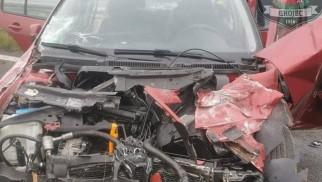 Wypadek na A4. Zderzenie z ciężarówką. Dwie osoby ranne