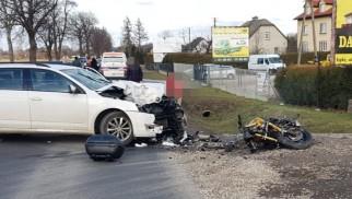 Wypadek w Łękach. Trwa reanimacja mężczyzny – ZDJĘCIA!