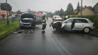 Wypadek w Skidziniu. Droga w kierunku Przecieszyna zablokowana – ZDJĘCIA!