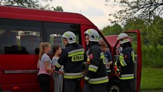 Wypadek z udziałem busa i samochodu osobowego, ćwiczenia w Gminie Brzeszcze FOTO, FILM