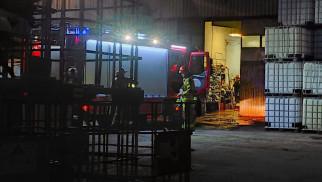 Zagrożenie chemiczne w rejonie ulicy Klonowej w Brzeszczach- na miejscu pracują strażacy - InfoBrzeszcze.pl