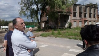 """Zamieszanie wokół PSZOK-u w Trzebini. Nikt nie chce mieć """"składowiska"""" w sąsiedztwie"""