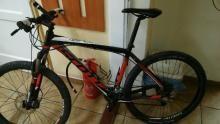 Zator. Policjanci zatrzymali złodzieja i odzyskali skradziony przez niego rower. Wpadł również paser.