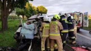 Zator. Policjant na urlopie wraz z dwoma kierowcami ratowali życie poszkodowanego w wypadku