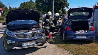Zderzenie dwóch pojazdów w Brzeszczach. Trwa akcja służb – ZDJĘCIE!