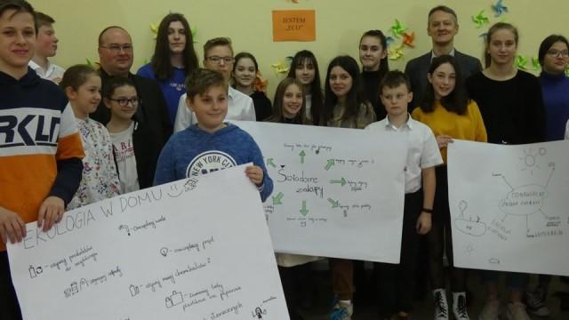 'Ekologiczna sesja' Młodzieżowego Parlamentu - InfoBrzeszcze.pl