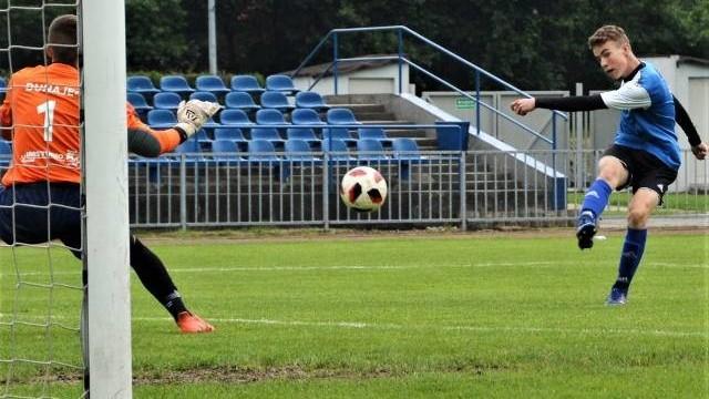 2. liga juniorów młodszych w Małopolsce. Dla Unii Oświęcim własne boisko nie było atutem. Wygrał Dunajec Nowy Sącz