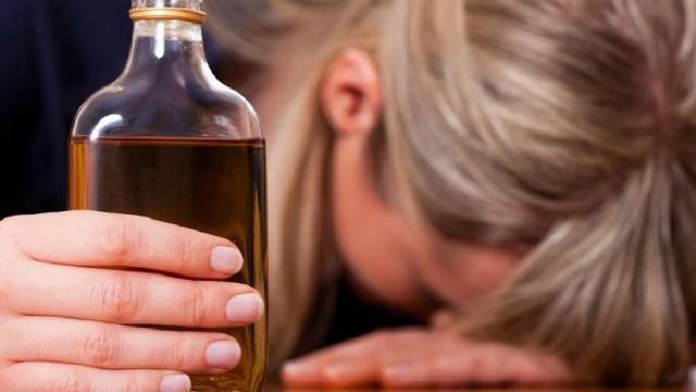 30-latka opiekowała się dzieckiem mając 2,90 promila alkoholu w wydychanym powietrzu …