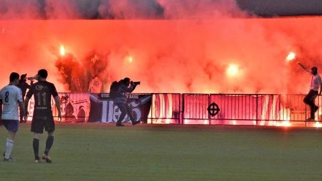 4. liga. Unia Oświęcim w derbach przegrała z Beskidem Andrychów. Filmowy gol Kapery