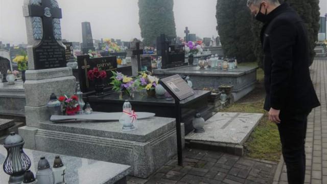 """76. rocznica śmierci """"nieznanego amerykańskiego lotnika"""" - InfoBrzeszcze.pl"""