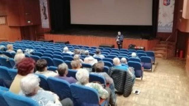 """""""Bezpieczny senior"""". Kolejne spotkanie ze studentami Uniwersytetu Trzeciego Wieku w Kętach"""