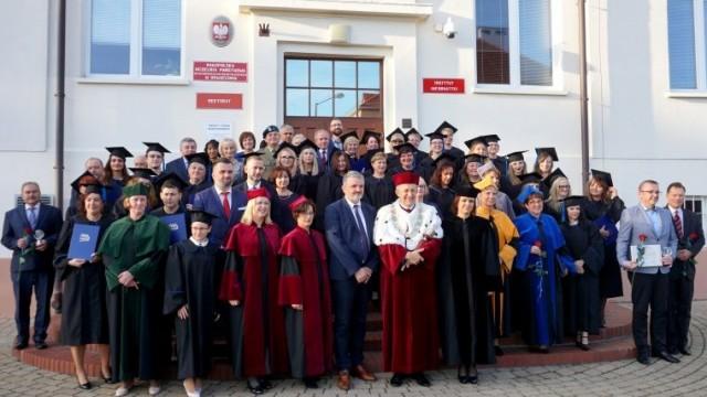 Absolwenci oświęcimskiej uczelni uroczyście pożegnani
