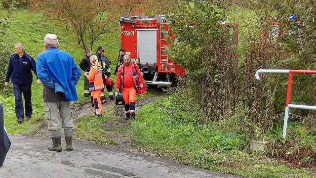 AKTUALIZACJA: Nie udało się uratować kobiety, która wpadła do studni. ZDJĘCIA !