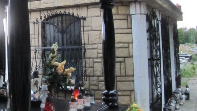 Alkoholowa impreza na cmentarzu w Kętach !