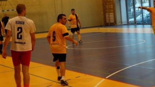 Amatorska liga z Brzeszcz bez Chłopaków ze Stadionuf