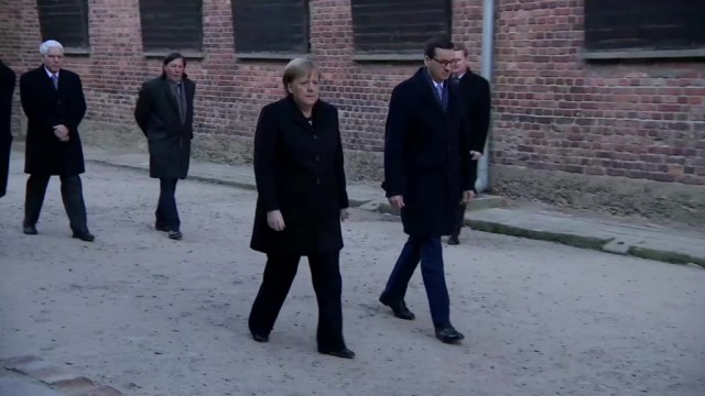 Angela Merkel w Auschwitz: Odczuwam głęboki wstyd – FILMY