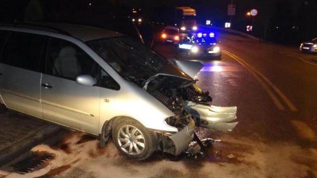 Babice - 21-latek stracił panowanie nad pojazdem i uderzył w barierę