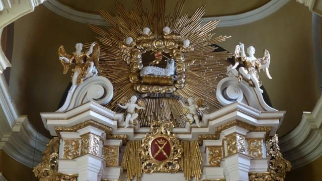 Barokowy kościół odzyskuje dawny blask – FOT0