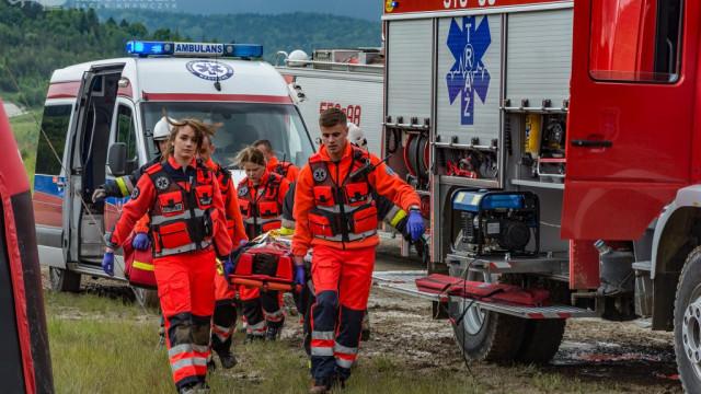 """""""Bezpieczna Małopolska""""- w akcji m.in. strażacy OSP i ratownicy Zintegrowanej Służby Ratowniczej z Jawiszowic -FILM i ZDJĘCIA- InfoBrzeszcze.pl"""
